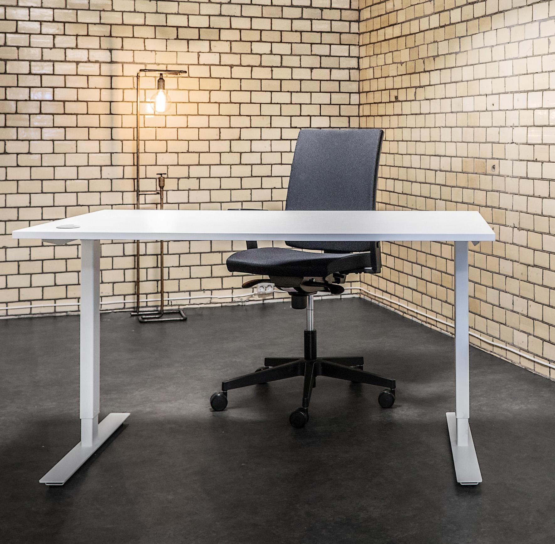 Pakke: Hev og Senk arbeidsbord, L:160X80, Understell Hvit